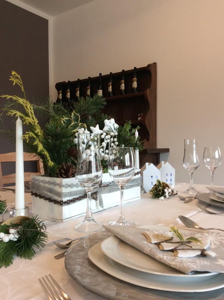 table setting come apparecchiare tavola di Natale
