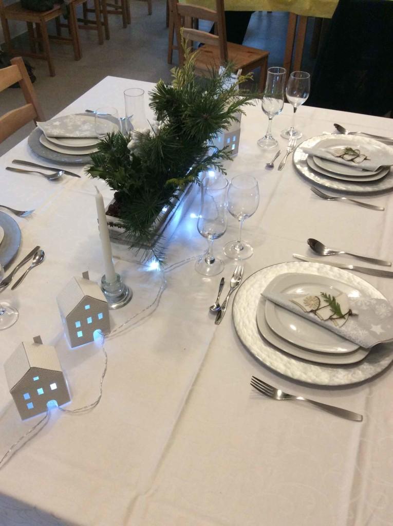 tavola di natale illuminata