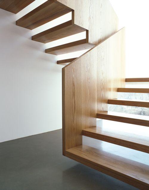 Ad ogni scala il suo parapetto di design for Scala interna in legno