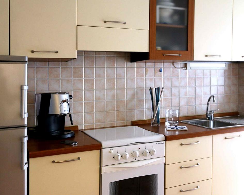 relooking piccolo bilocale affitto - vista cucina dopo