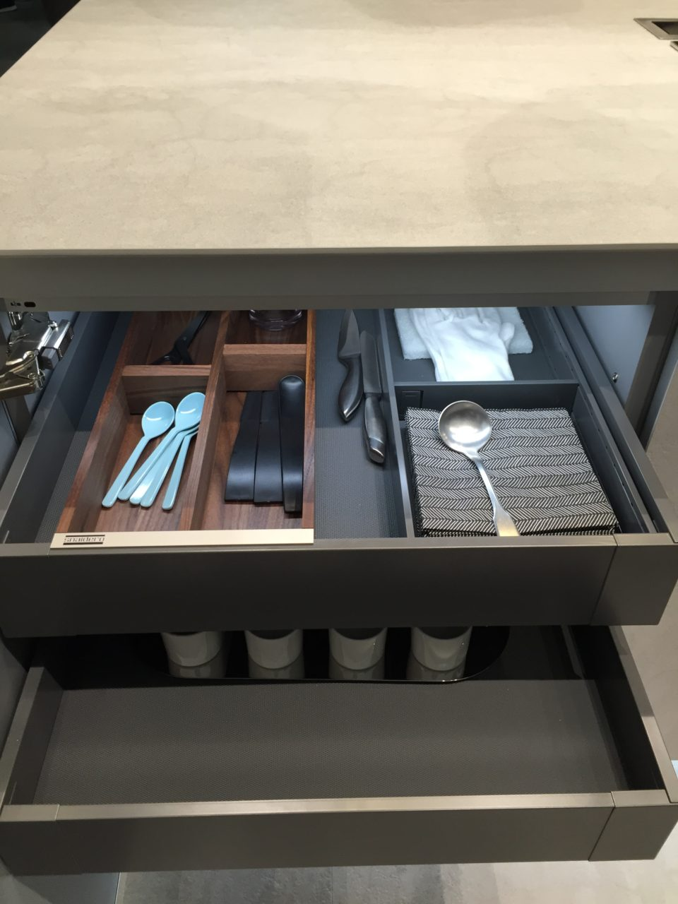 Snaidero cucina Opera dettaglio cassetto attrezzato