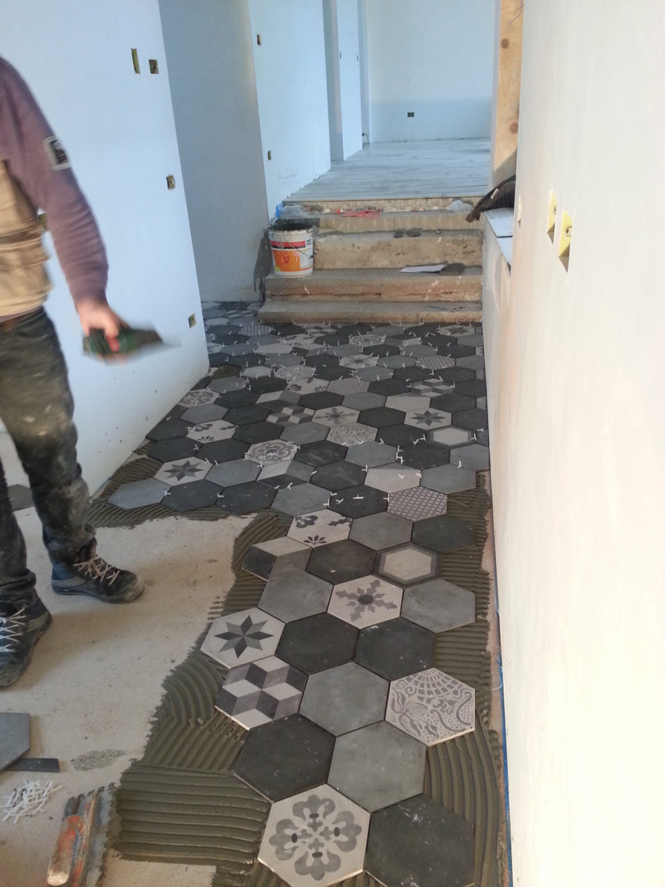 Mattonelle esagonali cucina good posa piastrelle for Piastrelle mosaico per cucina