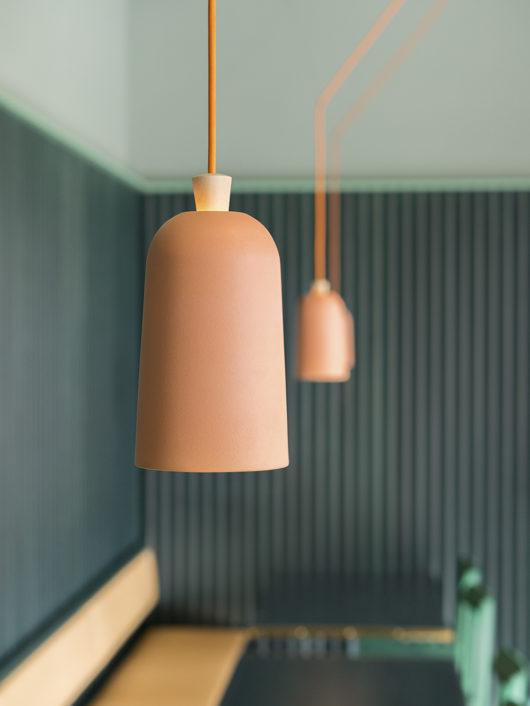 Ristorante Finefood lampadario a sospensione rosso salmone