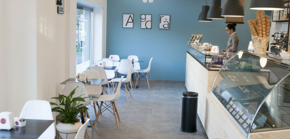 Ristrutturazione di un caffè gelateria in provincia di Milano