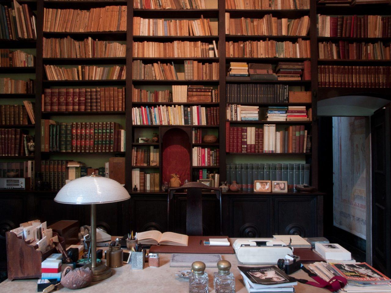 villa Albergoni scrivania studio
